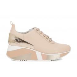 Sneakers in pelle con zeppa...
