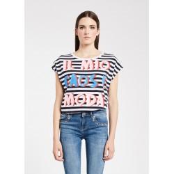 T-shirt con maniche ad aletta