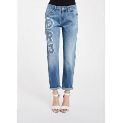 Jeans girlfriend in denim